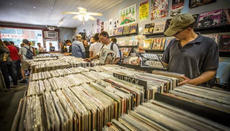 Record Shopping at Gonner Records - Craig Thompson
