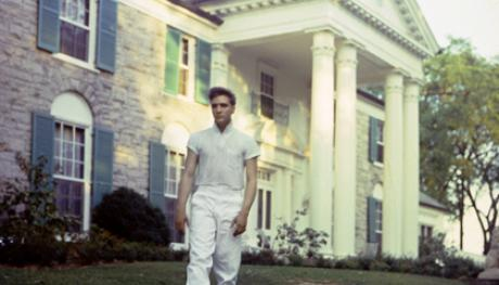Elvis at Graceland. Photo Credit: EPE