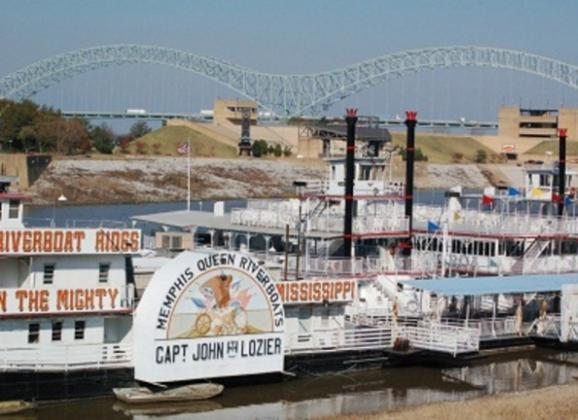Memphis Riverboat Line up - Photo by Kerry Crawford