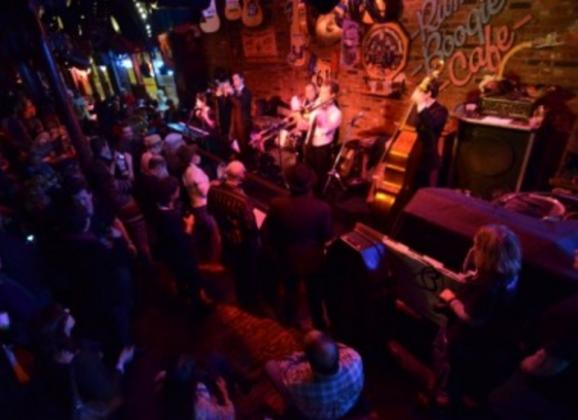 Live music on Beale Street at Rum Boogie Cafe. Photo by Andrea Zucker.