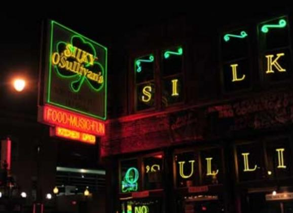 From ribs to oysters at Silky's on Beale Street. Photo by Andrea Zucker.