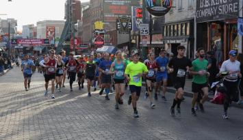 St. Jude Marathon on Beale | Alex Shansky